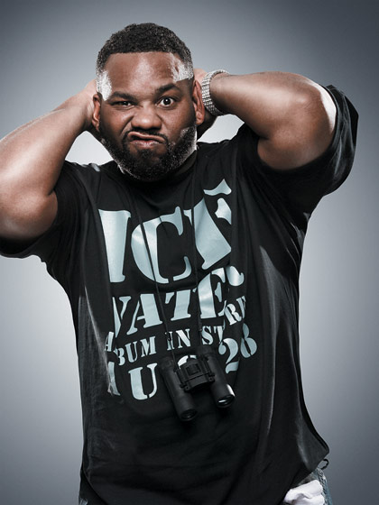 Raekwon Raps to Throwb...