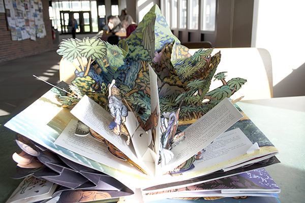 Illustrator Robert Sabuda creates 3-D pop-up books.