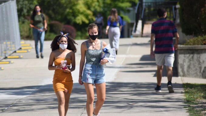 masks-on-SUNY-New-Paltz-campus